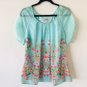 Dressbarn Floral Top Flared Sleeves and Seam
